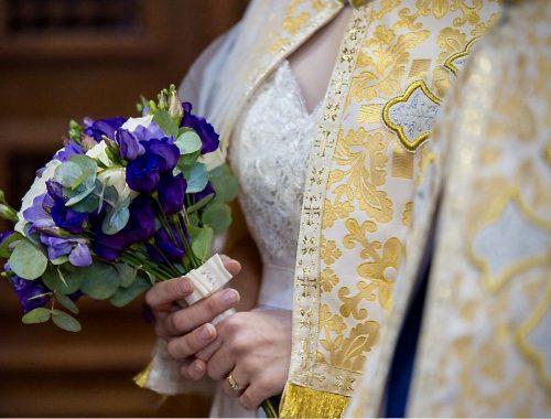 Religious Ceremony, Flowers, Cream, Purple and Blue flowers, Wedding colours 2018
