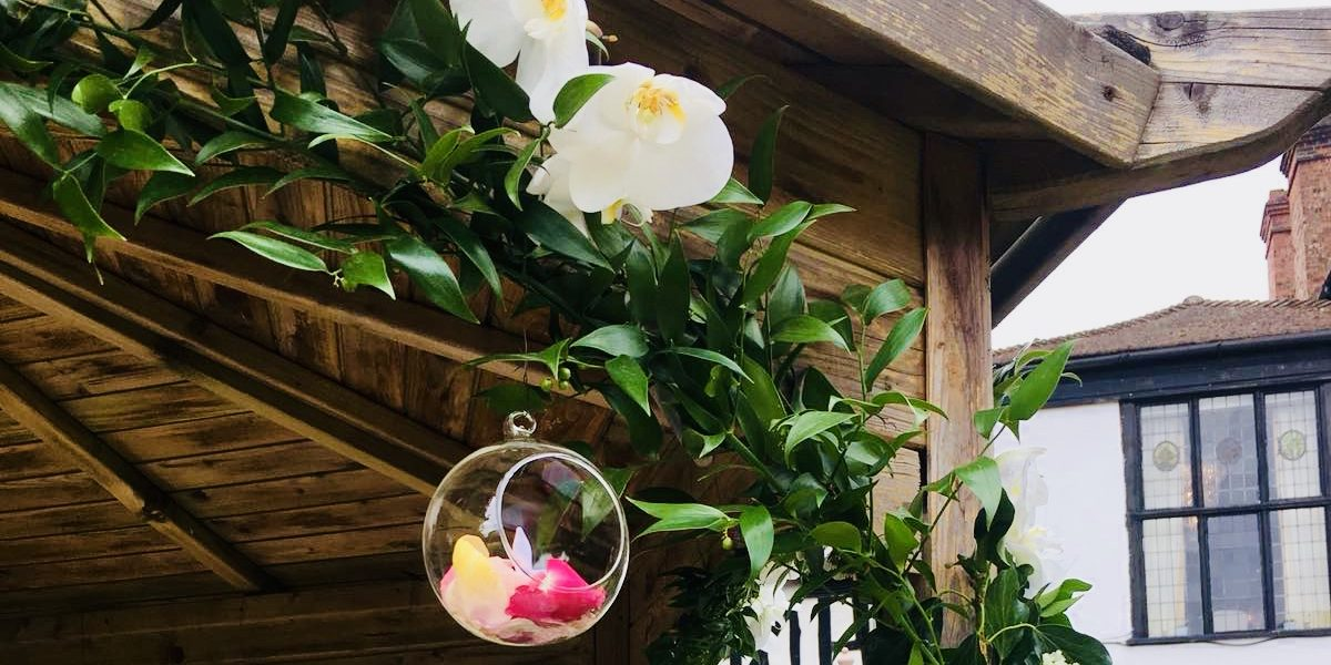 Hanging Tea Light with Fresh Rose Petals